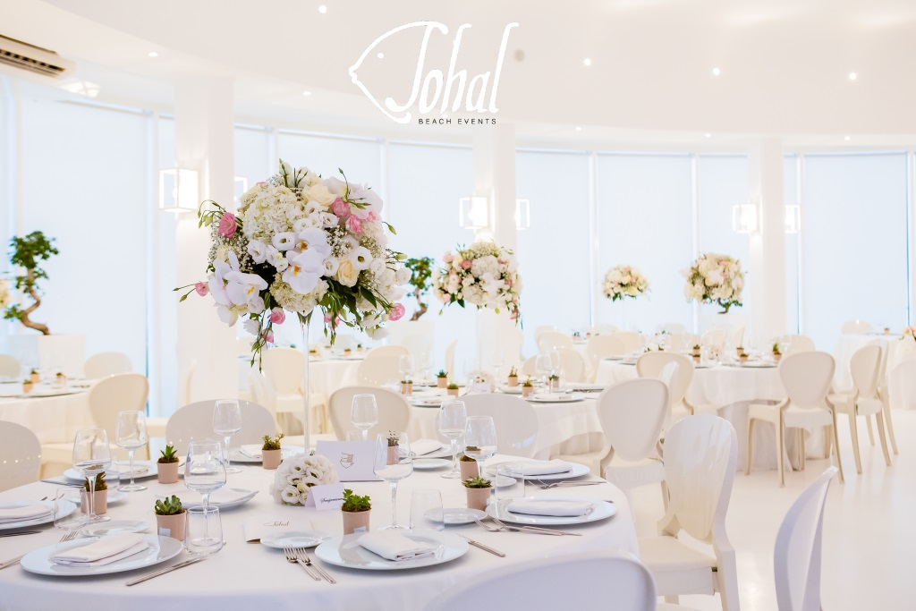 cda875dfa224 Centrotavola elegante per matrimoni in spiaggia - Sohal
