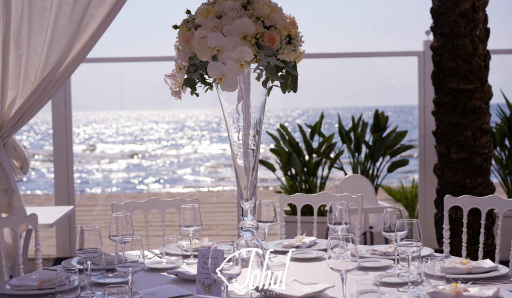 Centrotavola alto per matrimoni in spiaggia 2020