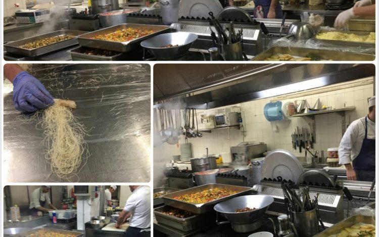 la cucina interna di Sohal Beach